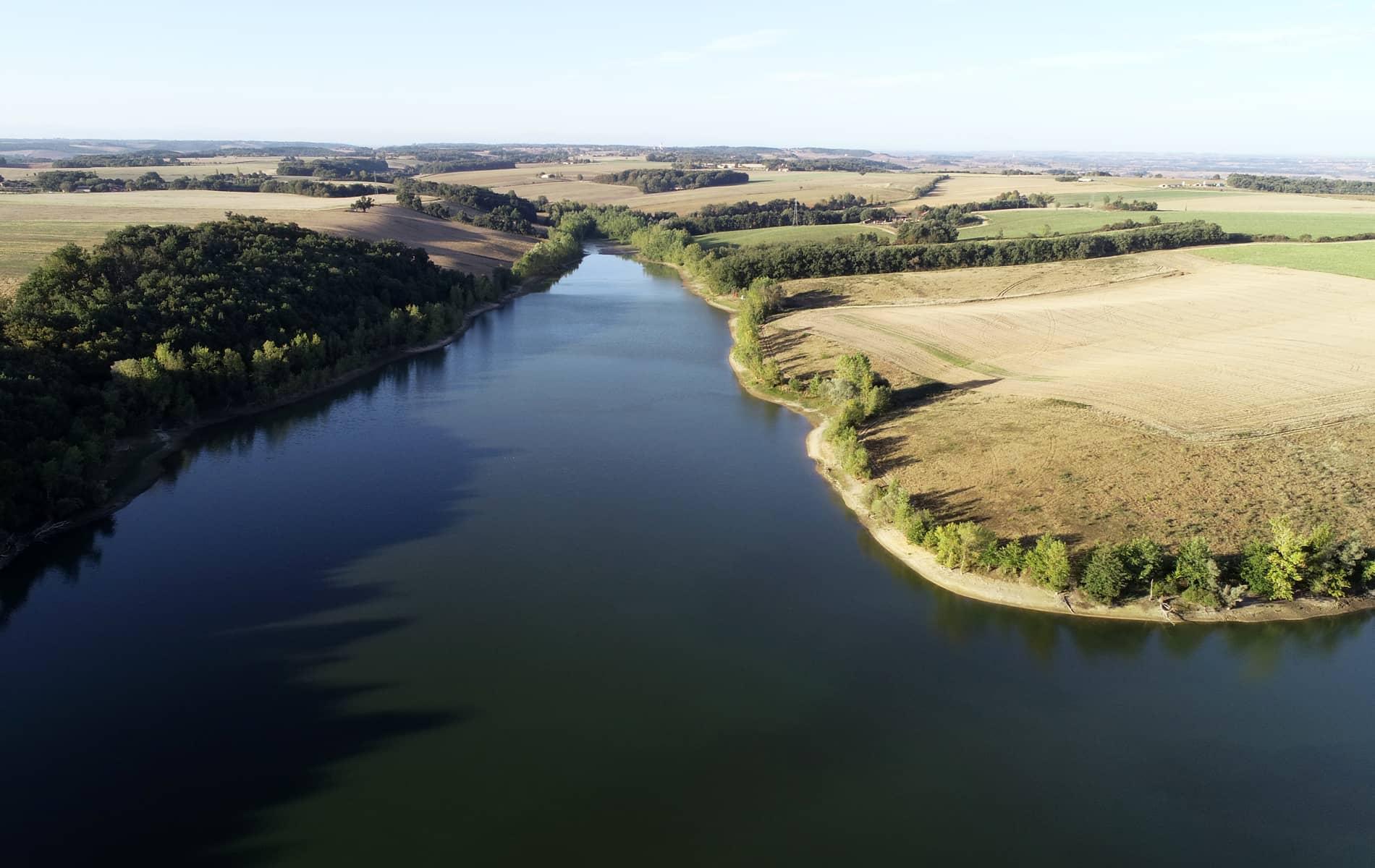Vue aérienne du plan d'eau de vigueron